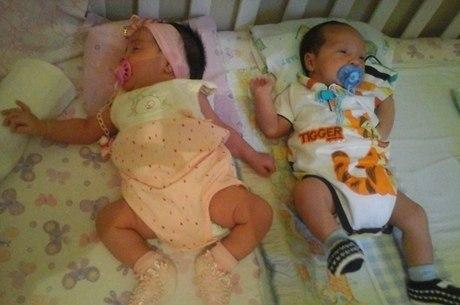 Presos ameaçam linchar pai que teria mandado matar bebês gêmeos