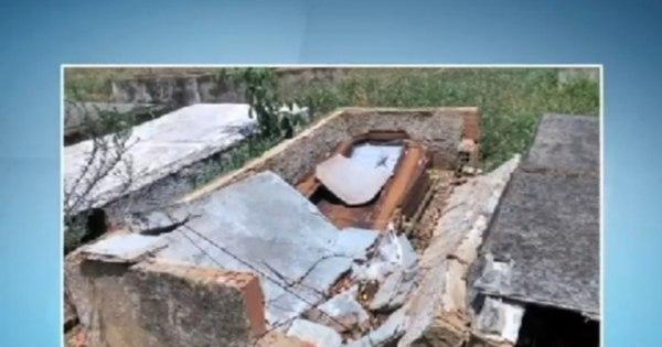 Abandonado, cemitério tem túmulos quebrados e covas abertas na ...
