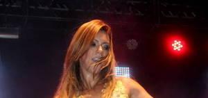 Vina Calmon, do Cheiro de Amor, participa de micareta em Porto Seguro
