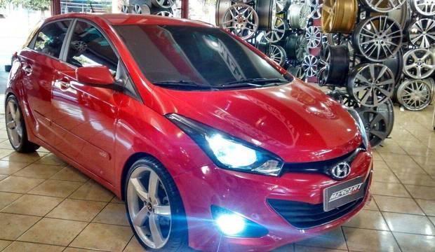 Saiba como tunar seu carro gastando menos<br />de R$ 500. Veja os acessórios mais procurados