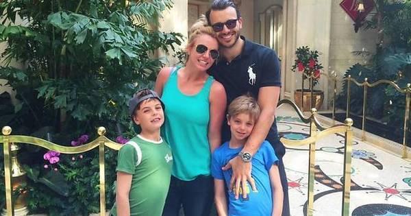 Eles cresceram! Britney Spears posa ao lado dos filhos ...