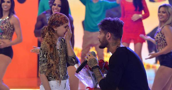 """Bianca sobre Lucas Lucco no palco do Legendários: """"Lembrei do ..."""