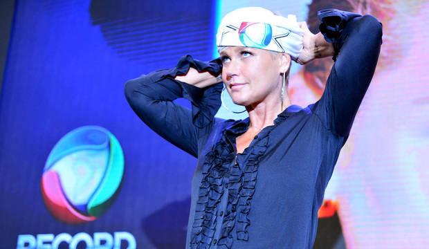Chegada de Xuxa à Record tem jatinho,<br />tapete vermelho e muita emoção