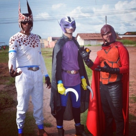 Os vilões do filme são Xiquin do Boi (mistura de Piccolo com Freeza), Manégneto (Magneto do X-Men), e Sol (versão nordestina do Cell)