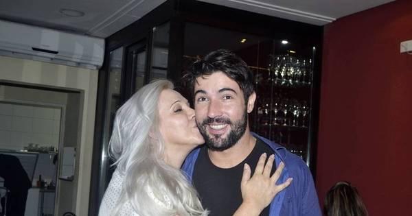 Com ausência de Susana Vieira, Sandro Pedroso ganha beijinho ...