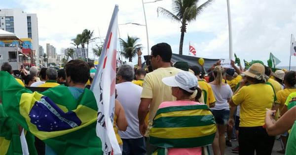 Pacíficas, manifestações contra o governo Dilma reúnem 10 mil na ...
