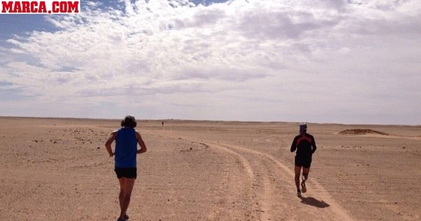 Maratona realizada no deserto do Saara rende imagens incríveis ...