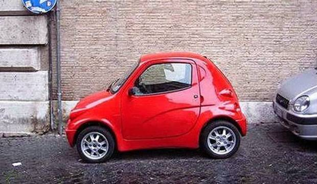 Estacionar sem sofrimento é com essa turma! Confira os menores carros do mundo