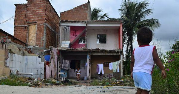 Defensoria Pública critica demolição de casas na Vila Autódromo ...