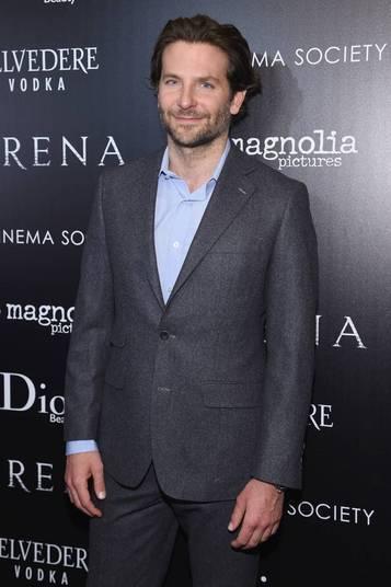 E para fechar a lista:Bradley Cooper. O ator de Se Beber, Não Case é todo bonitão e estiloso, mas não se importa em perfumar as axilas.— É, eu não uso mais desodorante