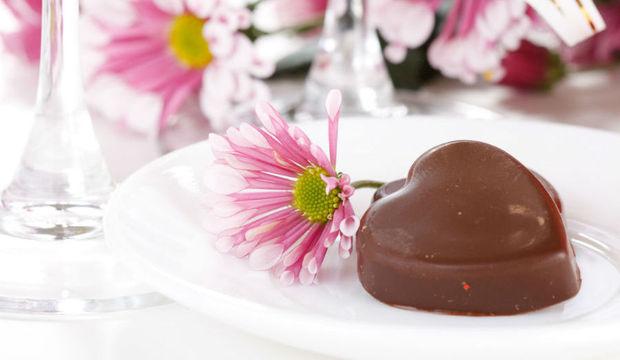 Arrase na mesa do almoço de Páscoa com<br />esta seleção especial de chocolates e vinhos