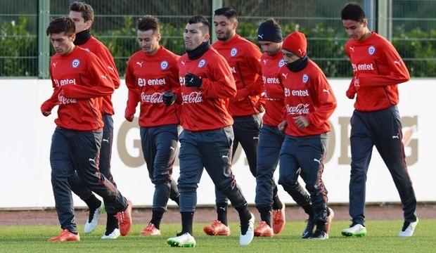 Confira os perigos que o time do Chile<br />oferece à seleção brasileira neste domingo