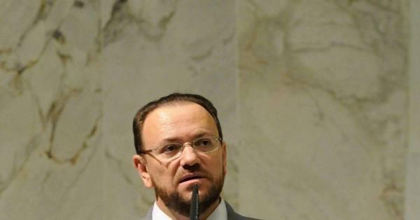 Ministro é ameaçado de morte em rede social - Notícias - R7 Brasil