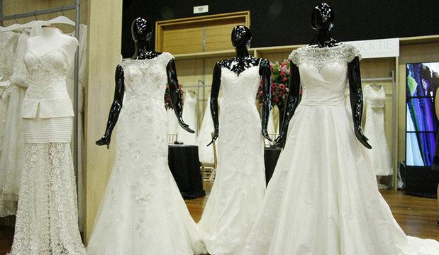 Evento para noivas reúne vestidos, sapatos<br />e joias de marcas badaladas em São Paulo