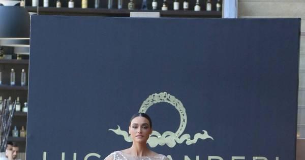 """Débora Nascimento fala sobre casamento com José Loreto: """"Vai ser ..."""