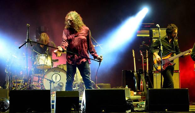 Primeiro dia de Lollapalooza tem Robert Plant, banda cancelada e falhas no som