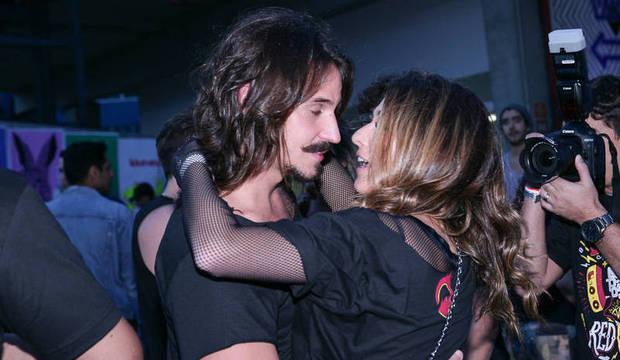 Fernanda Paes Leme beija muito e Caio Castro curte festival com Maria Casadevall