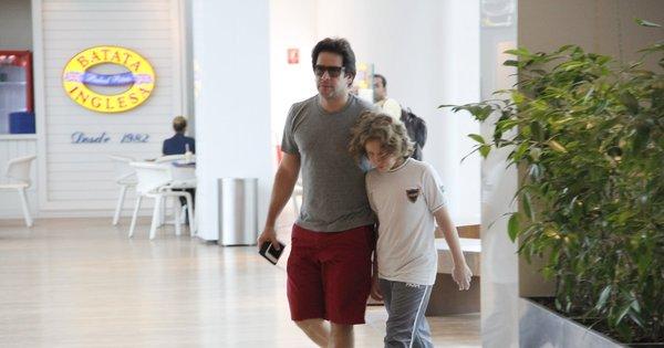 Murilo Benício almoça com o filho em shopping no Rio de Janeiro e ...