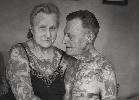 Fotos mostram o que acontece quando tatuados envelhecem