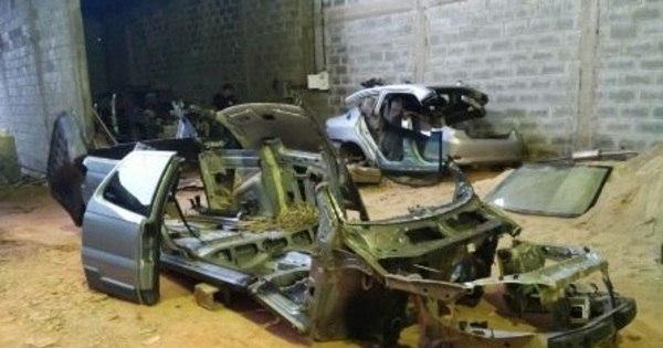 Dupla que mantinha desmanche de carros em Divinópolis é presa ...