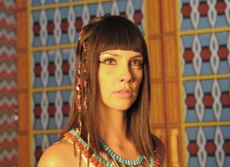 Nefertari passa por transformação após casamento, diz maquiador