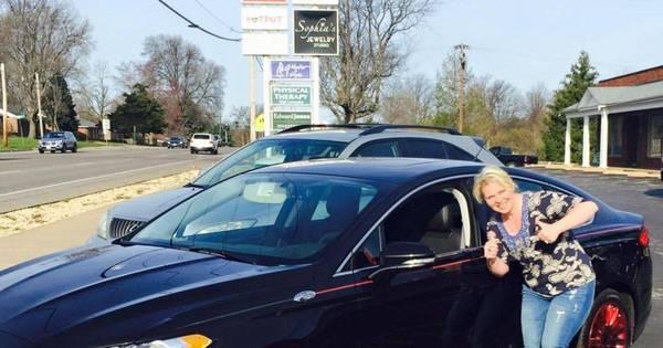 Mulher que teve seu Ford Fusion roubado reencontra o veículo ...