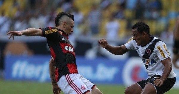 Vasco é melhor, vence o Flamengo com um pênalti polêmico e vai à ...