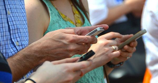 Nomofobia: uso excessivo de celular pode levar à ansiedade ...