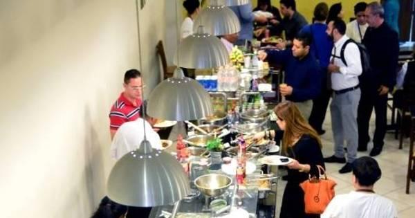 Comer fora de casa fica 10% mais caro em um ano - Notícias - R7 ...