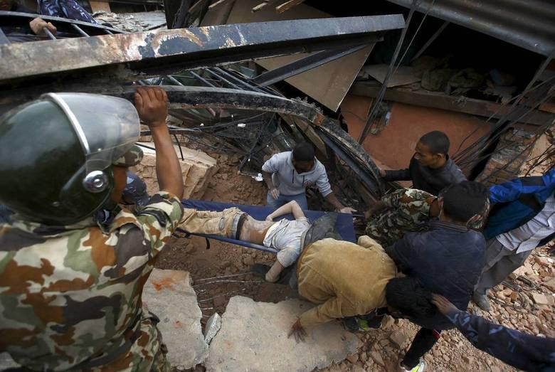 Após o tremor de maior potência, outras quatro réplicas de menor intensidade foram sentidas no país