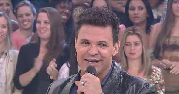 """Eduardo Costa revela no Domingo Show: """"Eu nunca fiz uma cirurgia ..."""