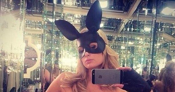 Paris Hilton se veste de coelhinha e fãs elogiam - Entretenimento ...