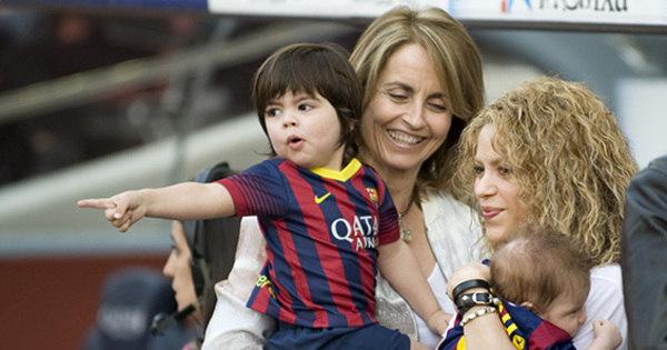 """Shakira fala sobre a criação dos filhos: """"Gerard e eu dividimos todas ..."""