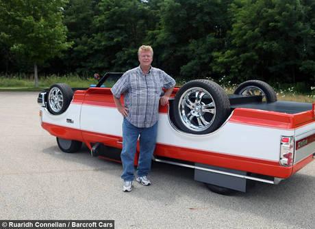 Mecânico criativo inventa um carro que anda de ponta-cabeça