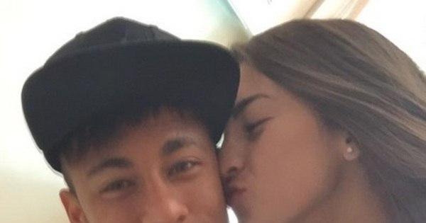 Fã escolhe Neymar e deixa de levar fortuna para casa - Fotos - R7 ...