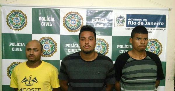 Milicianos são presos enquanto jogam futebol em favela do Rio ...