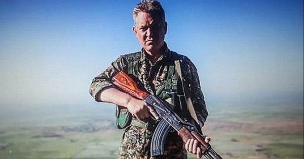 Ator de Piratas do Caribe se junta a forças curdas na Síria para ...