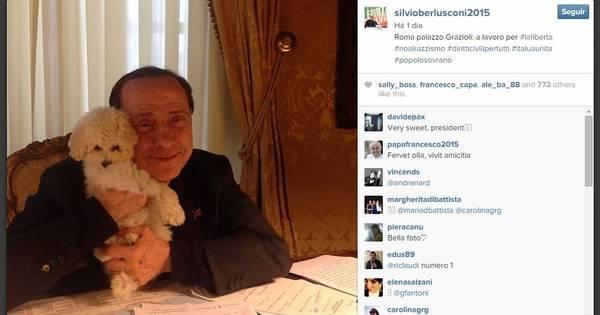 Berlusconi abre conta no Instagram e publica foto abraçado com ...
