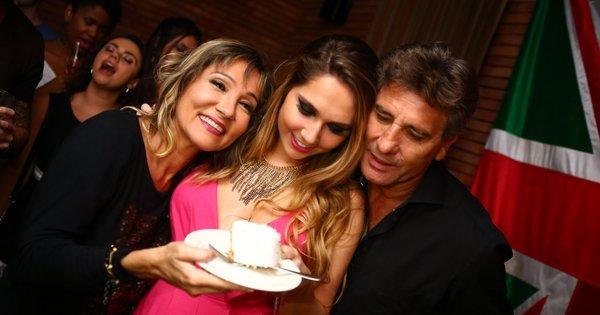 Carol Portaluppi, filha de Renato Gaúcho, festeja 21 anos com ...