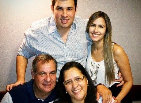 Conheça a família do piloto que salvou a vida de Huck e Angélica