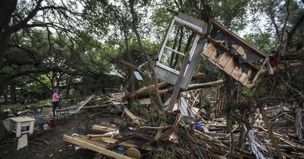 Tempestades e enchentes deixam 21 mortos no Texas - Notícias ...