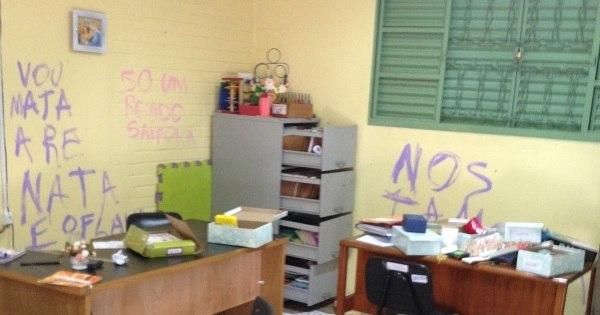 Escola é fechada após amanhecer depredada e com pichações de ...