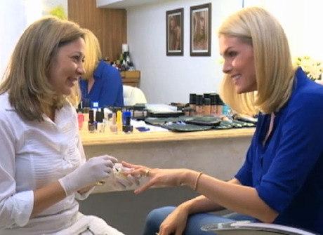 Ana Hickmann dá uma dica preciosa para a hora da manicure
