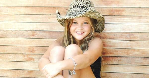 Nikki Meneghel, sobrinha de Xuxa, estreia em Os Dez Mandamentos