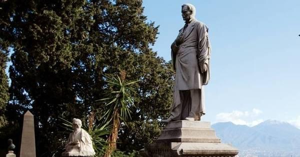 Quadrilha limpa tumbas e revende túmulos em Nápoles - Notícias ...