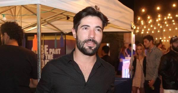Sandro Pedroso aparece sozinho em festa em SP - Fotos - R7 ...