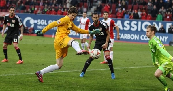 Bizarro! Elegeram os 10 gols mais esquisitos do Campeonato Alemão