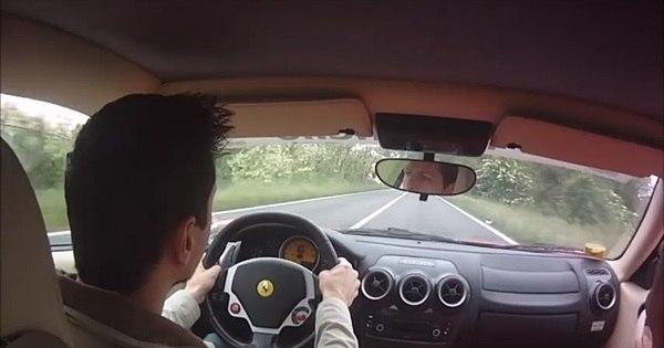 Brasileiro quase bate Ferrari F430 em test drive - Notícias - R7 Carros