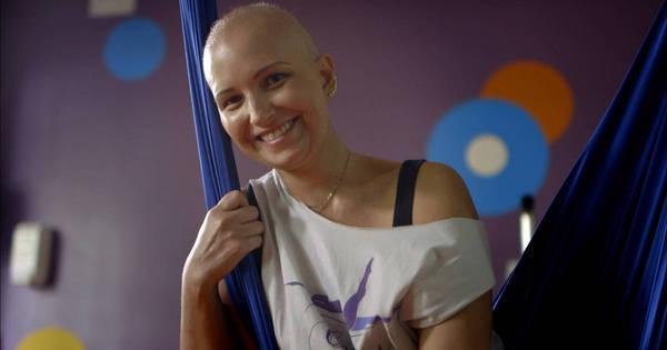 """""""Quero viver mais"""", diz paciente com câncer de mama avançado ..."""