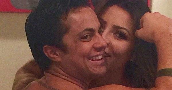 Sem camisa, Thammy Miranda faz foto sensual com namorada e ...